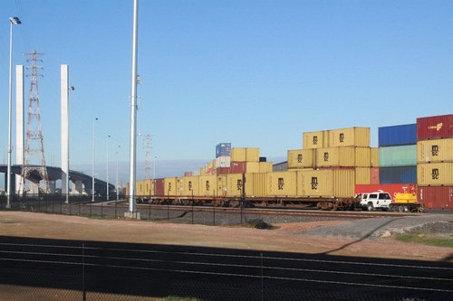 Exit end of the Westgate Ports siding, Bolte Bridge in the background