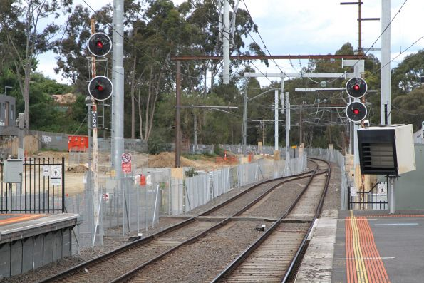 Signal MLK304 at the down end of Mooroolbark station