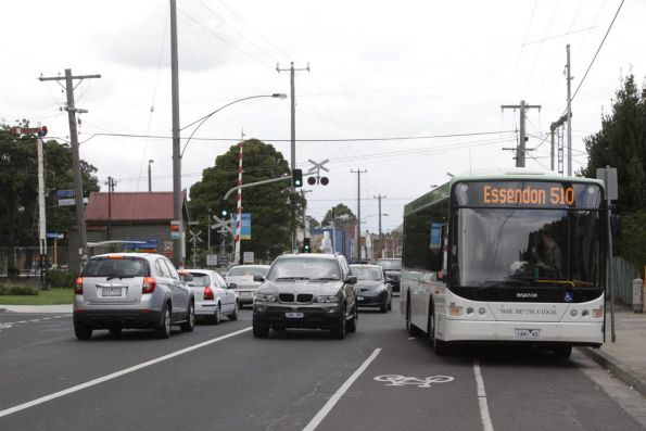Moreland Buslines #00 1441AO westbound on a route 510 service along Moreland Road