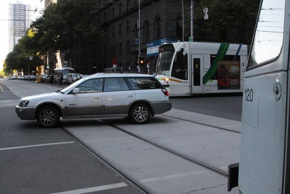 Dingbat manages to block tram traffic in all directions at the corner of Bourke and William Steets