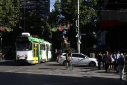 Z3.139 heads north on Swanston Street, as traffic on La Trobe Street almost blocks the tracks