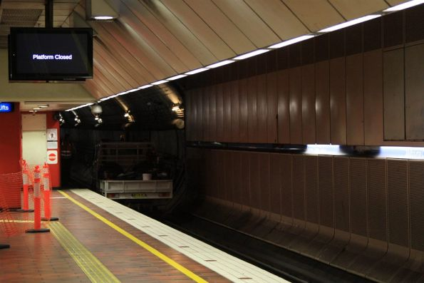 Hi-rail truck at the east end of Melbourne Central platform 1