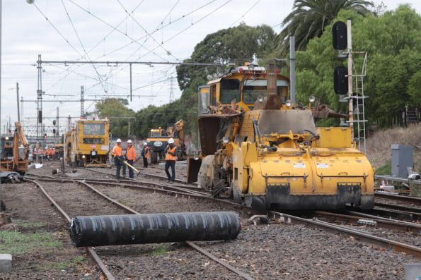 Replacement crossovers being installed at Kensington station