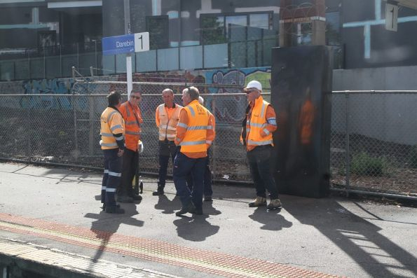 Metro Staff ready to start work at Darebin station