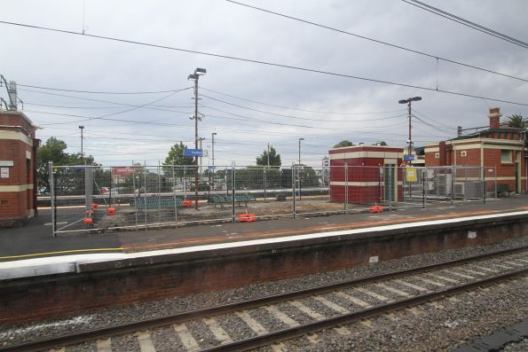 Resurfacing the island platform at Caulfield station