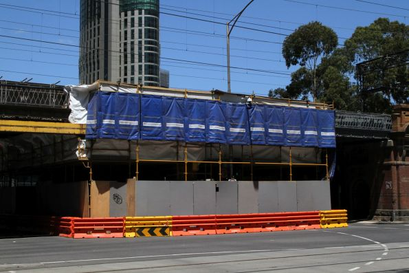 Road closed to allow repainting of the Flinders Street Viaduct at Flinders and William Street