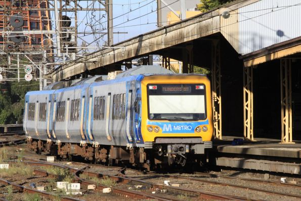 Modified X'Trapolis 893M still at Flinders Street for crew training