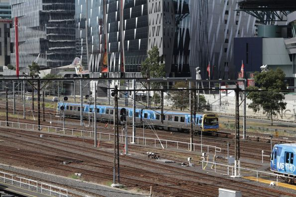3-car EDI Comeng heads back for Melbourne Yard with a driver training run