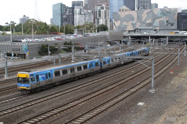3-car Comeng 636M arrives at Flinders Street on a driver training run