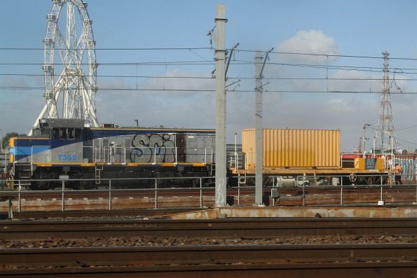 T369 shunts a generator wagon at North Melbourne