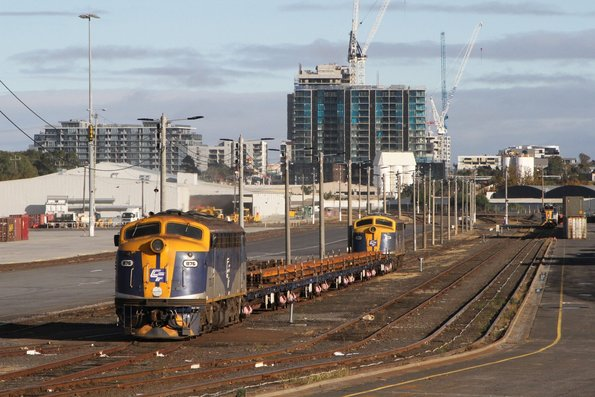 B76 and B80 push-pull with a rail train at North Dynon