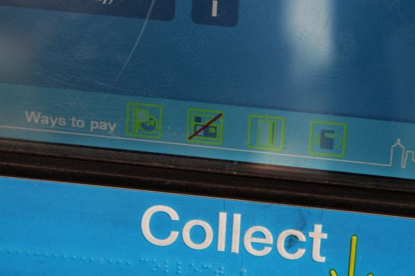 With the note acceptor missing, the banknote icon is crossed out under 'Ways to pay'