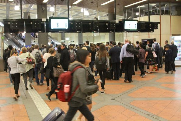 Queue to exit Flagstaff station following a myki gate failure