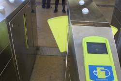Defective paddle on a myki gate at a railway station