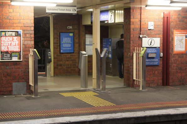 Additional FPDs yet to be installed at the exit of Blackburn platform 2