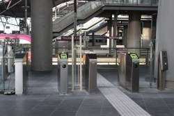 Pair of two independent wide Myki barriers at the north entrance to Southern Cross platform 1