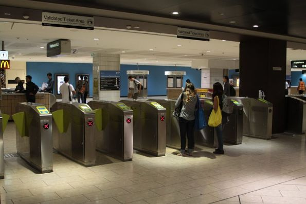 Final Frankenbarrier array at the Swanston end of Melbourne Central replaced by Myki gates