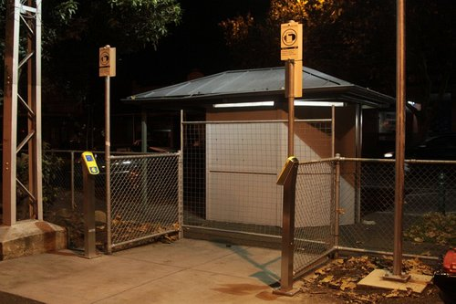 Additional exit at Kensington platform 2 completed, but still fenced off