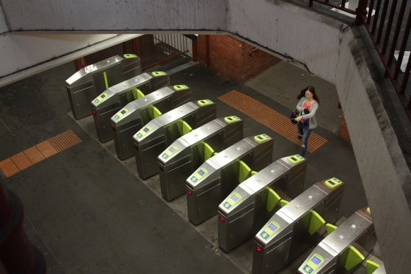 Single bank of 10 myki gates at Glenferrie station, outside the platform 1 and 2 ramp