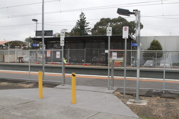Additional exit with myki readers added to Hallam platform 1