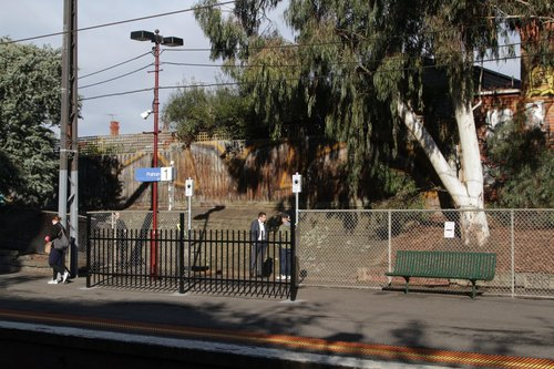 Additional station access opened at the down end of Prahran platform 1