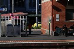 Extra myki readers added to Oakleigh platform 3