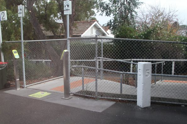 Additional station entrance at Brunswick platform 2