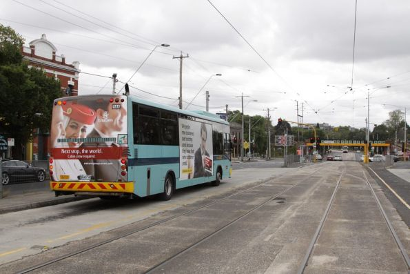 National Bus #544 5840AO at the Clifton Hill interchange