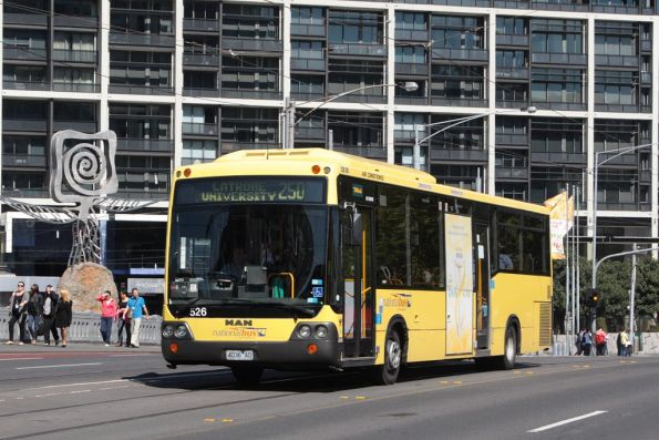 National Bus #526 4036AO northbound on Queensbridge Street with a route 250 service