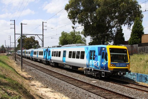 3M leading the train stopping-all-stations back to the city