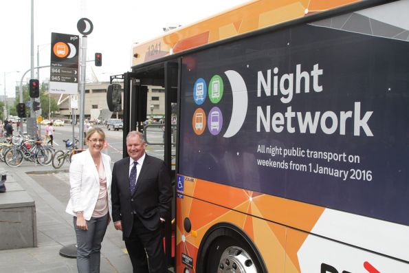 Ministor for Transport Jacinta Allan and Lord Mayor Robert Doyle pose for photos