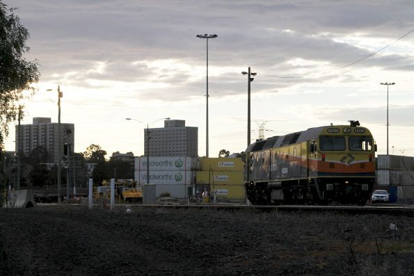 Aurizon 42206 moving around the west end of North Dynon yard