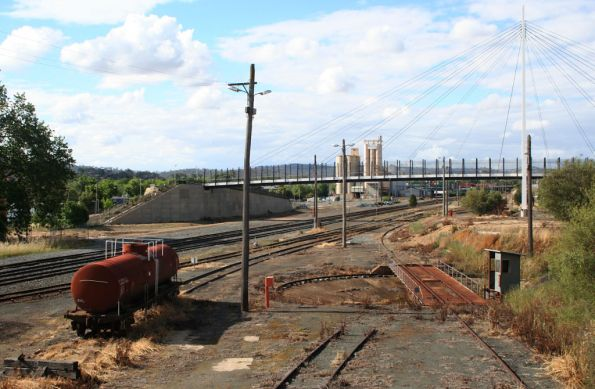 Abandoned fuel tanker and SG turntable at Albury