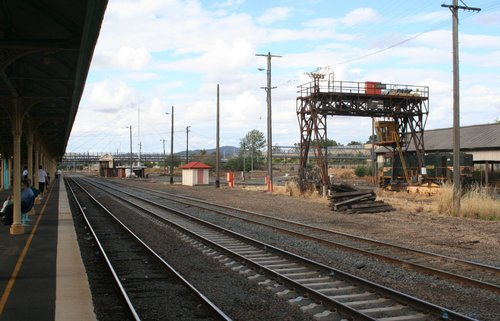 Gantry crane at Albury looking north