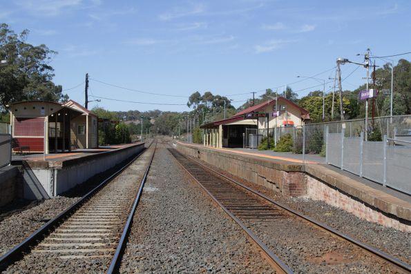 Looking towards Melbourne at Kilmore East station