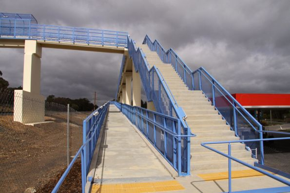 Western access to the new Wandong footbridge
