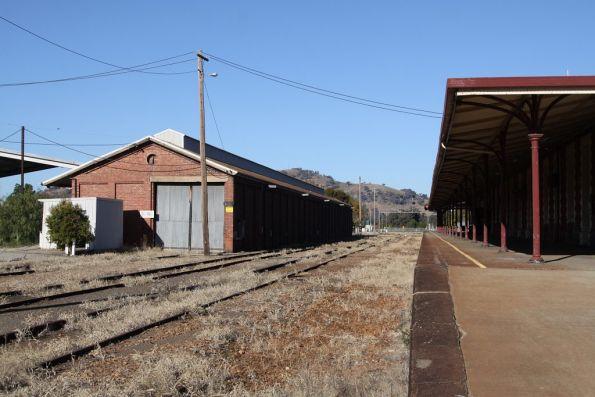 Looking down the platform and yard at Wodonga