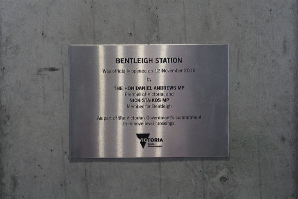 Plaque marking the opening of the rebuilt Bentleigh station in November 2016