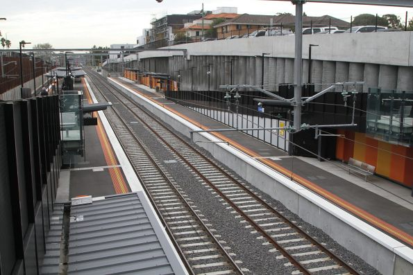 Looking down onto the platforms at Bentleigh station