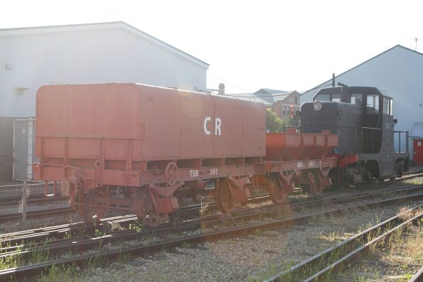 Commonwealth Railways wagons behind DE91