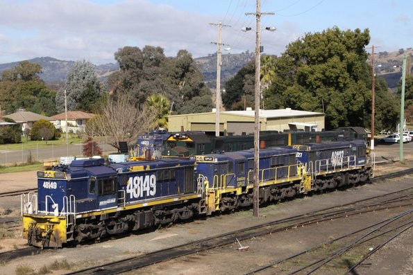 Mixed bag of units: Pacific National's 48149 and 48127 with GrainCorp ex-48 class loco GPU2
