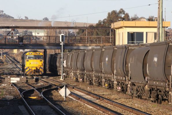 Running around their grain train, 8119 and 8155 at Junee