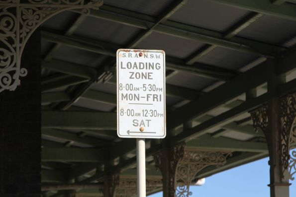 SRA NSW loading zone sign at Blayney station