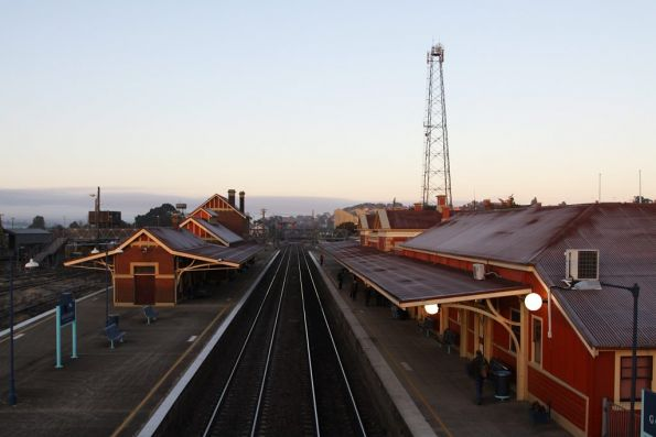 Goulburn station in the early morning cold