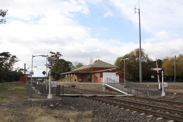 Down end of Marulan station