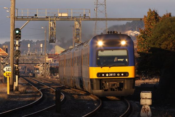 Endeavour TE2813 leads another 2-car set out of Goulburn