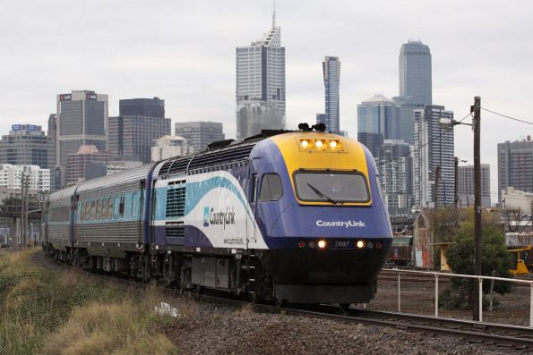 XP2007 leads XP2006 out of Melbourne on the daylight XPT