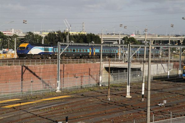Northbound XPT crosses the North Melbourne flyover