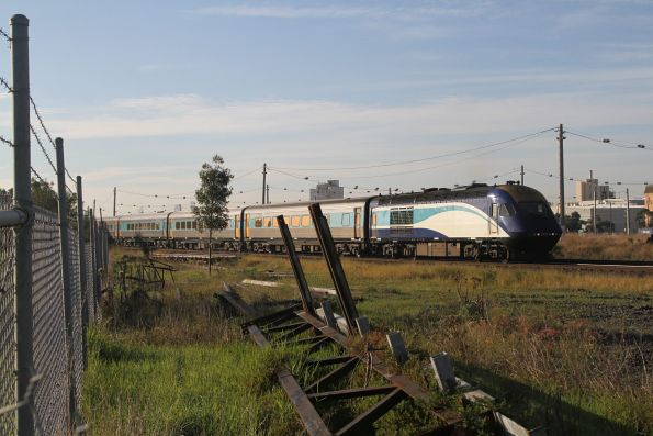 XP2014 leads the northbound XPT out of Melbourne at Tottenham