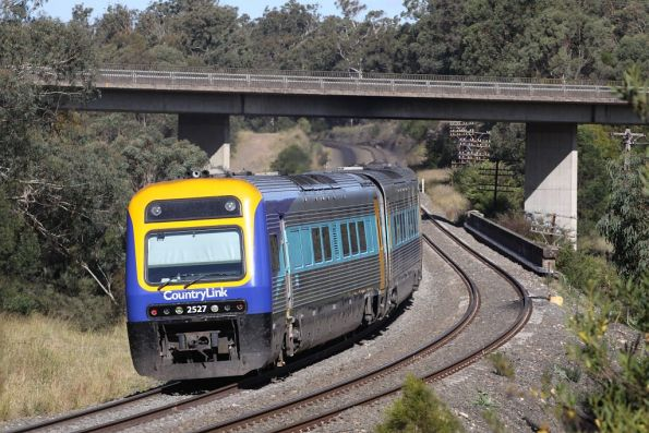 Xplorer 2527 trails a CountryLink service crossing the Bargo River at Tahmoor